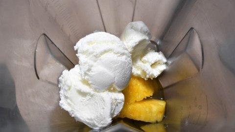 Pina Colada mit Kokos Eis