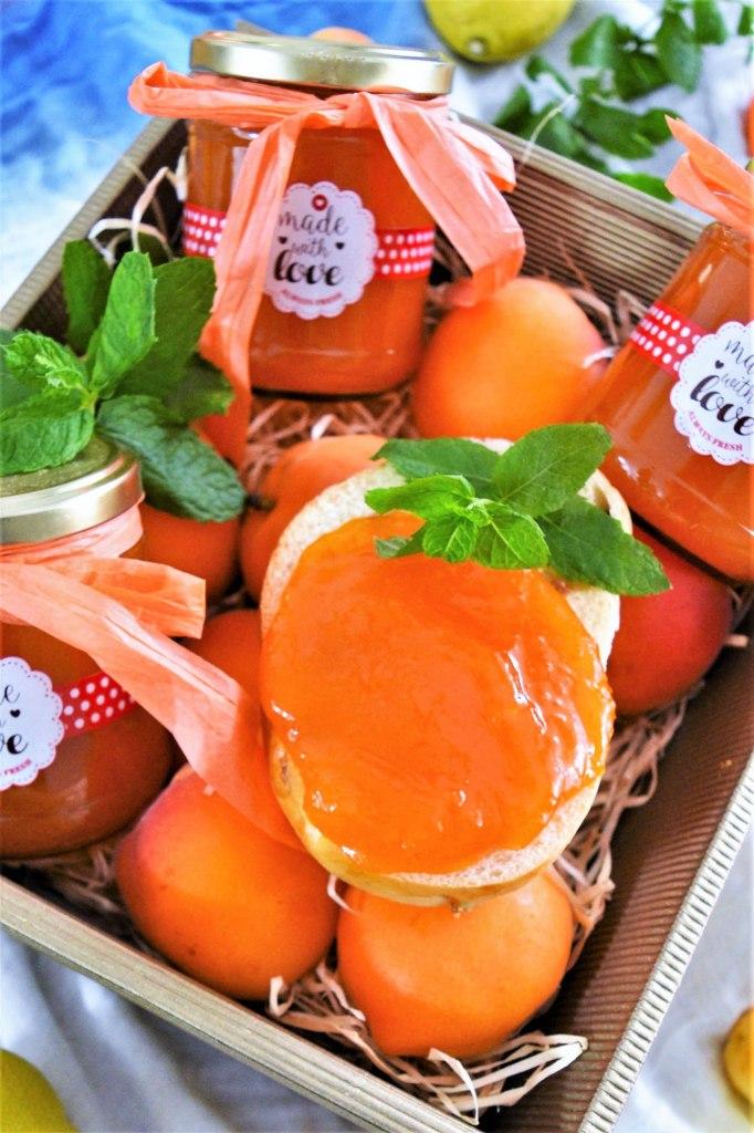 Aprikosenmarmelade mit Marzipan-Rezeptideen-BallesWorld