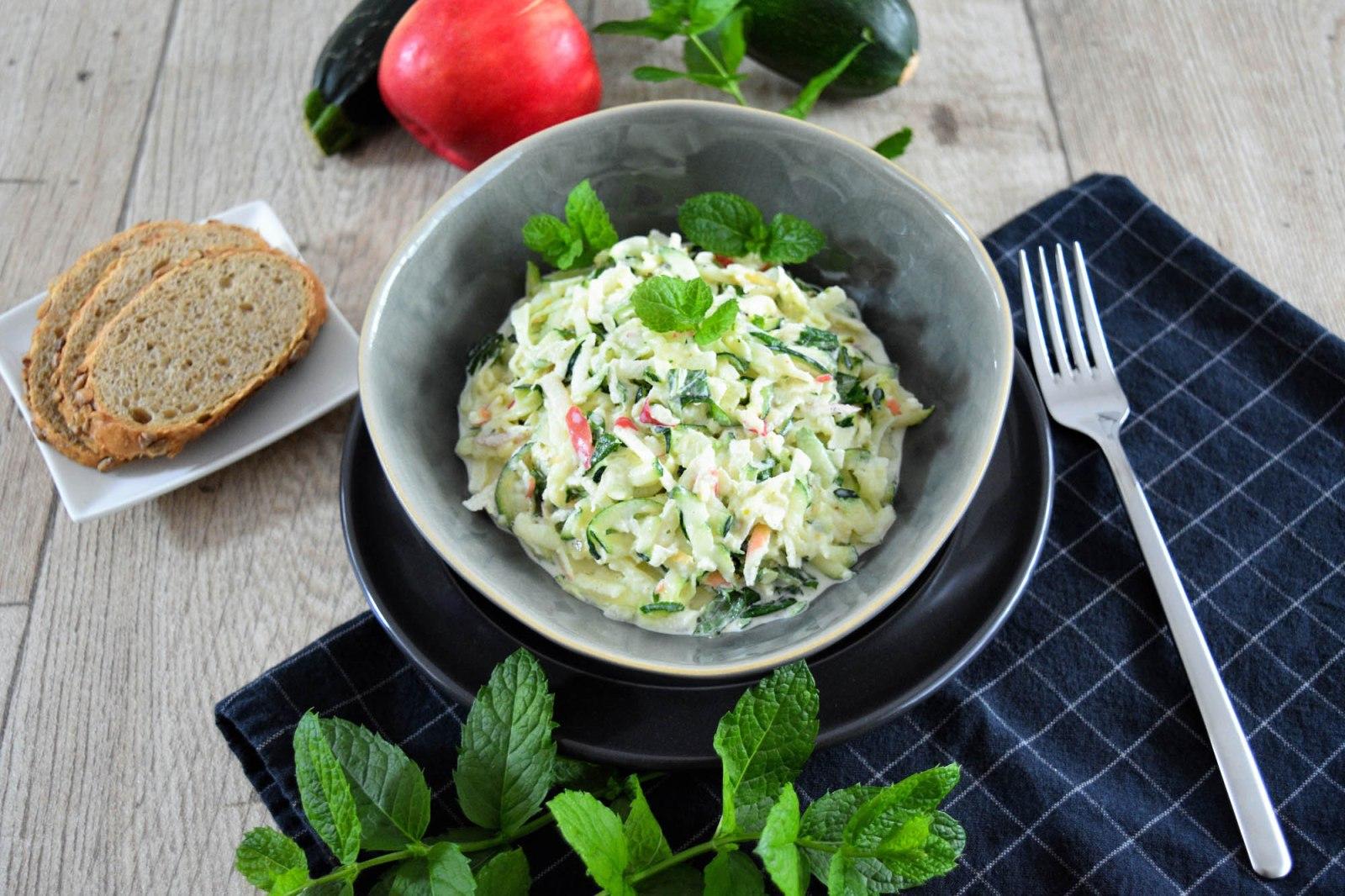 Geschmackvoller Zucchinisalat-Rezept-BallesWorld
