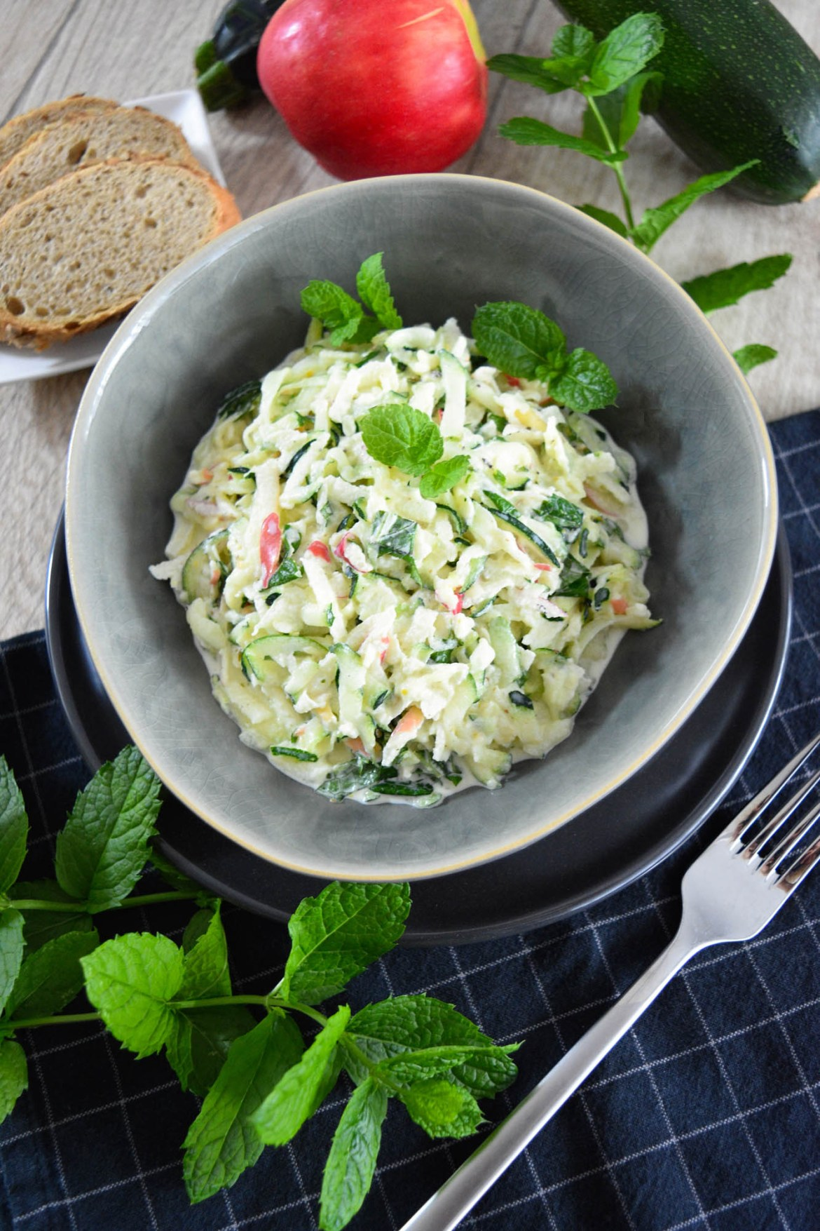 Geschmackvoller Zucchinisalat-Salat Ideen-BallesWorld