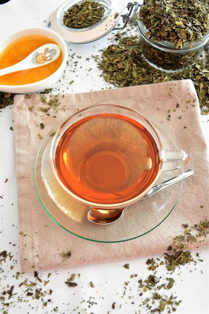 Spitzwegerich Tee-Gesund-ballesworld
