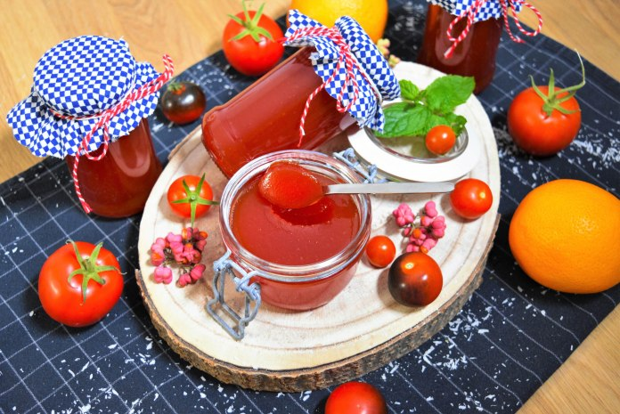 Tomatenmarmelade mit Orange