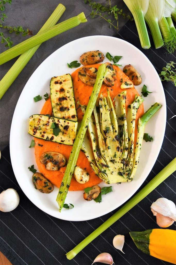 Tomatisierte Grießflammeri mit gegrilltem Gemüse-Vegan-ballesworld