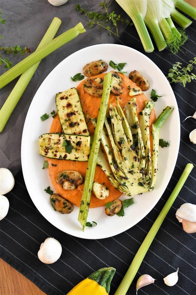 Tomatisierte Grießflammeri mit gegrilltem Gemüse-Vegetarisch-ballesworld