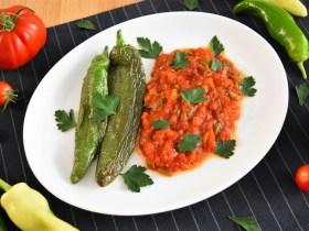 Gebratene Paprika und Tomaten-Rezept-ballesworld