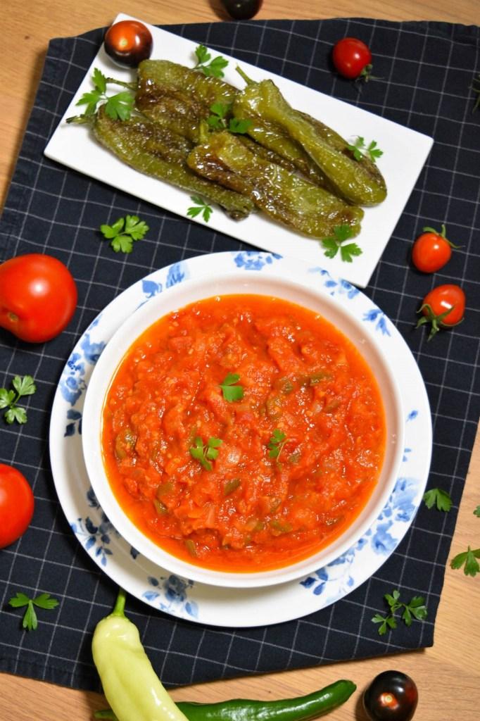 Gebratene Paprika und Tomaten-Vegetarisch-ballesworld