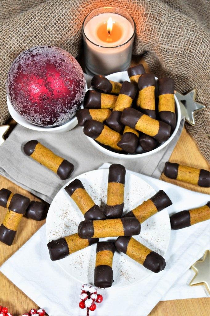 Marzipan-Pistazien Stäbchen-Weihnachtsplätzchen-ballesworld
