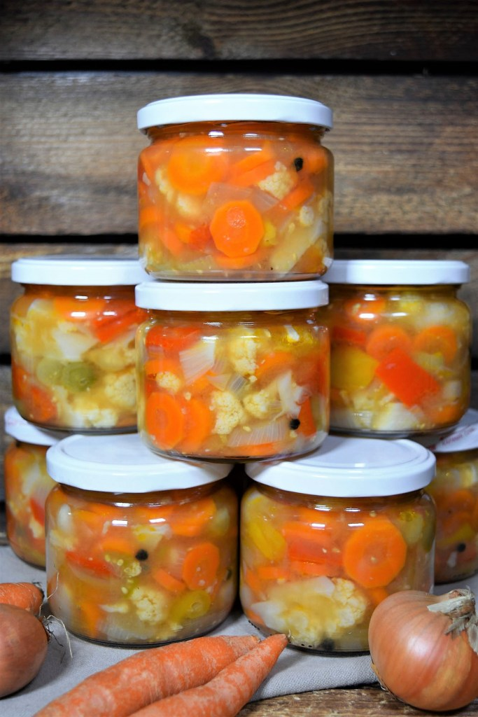 Mixed Pickles nach mazedonischer Art-Wintersalat-ballesworld