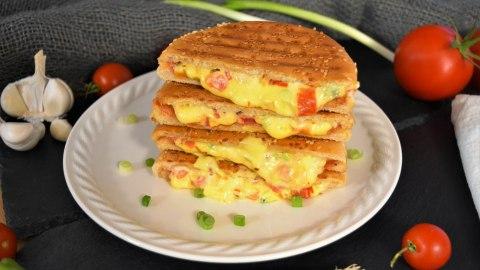 Hamburger-Sandwich vom Kontaktgrill