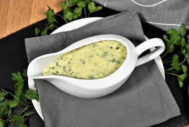 Béchamelsauce mit frischen Kräutern und Käse-Rezept-ballesworld