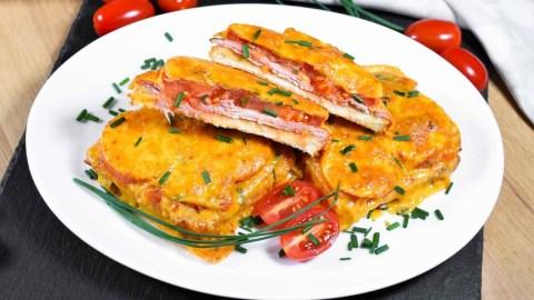 Überbackener Toast mit Tomaten und Käse