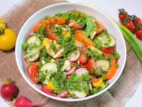 Bunter Salat mit Rucola Dressing-Rezept-ballesworld