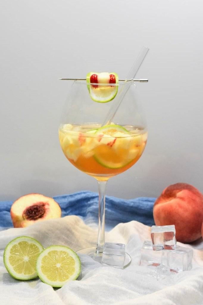 Prosecco Pfirsichlikör Spritz-Alkoholische Getränke-ballesworld