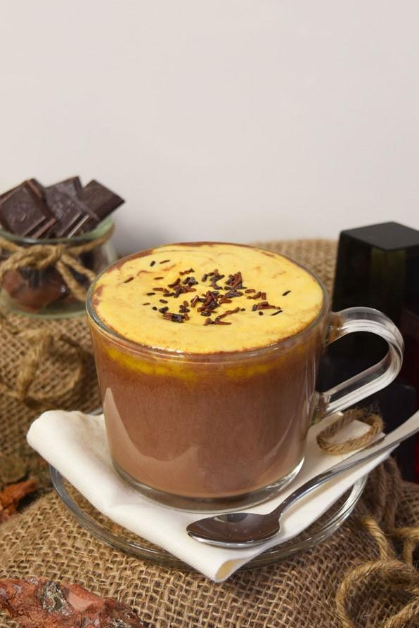 Heiße Schokolade mit Sanddornhaube-Winterschokolade-ballesworld