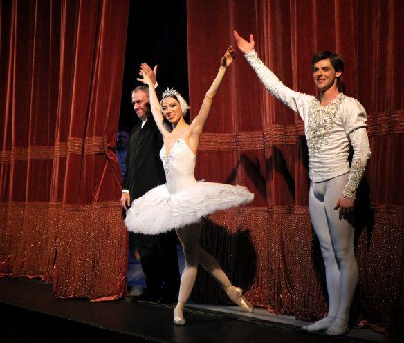 Viktoria-Tereshkina-Valery-Gergiev-Vladimir-Shklyarov-Mariinsky-Swan-Lake-1-15-15a