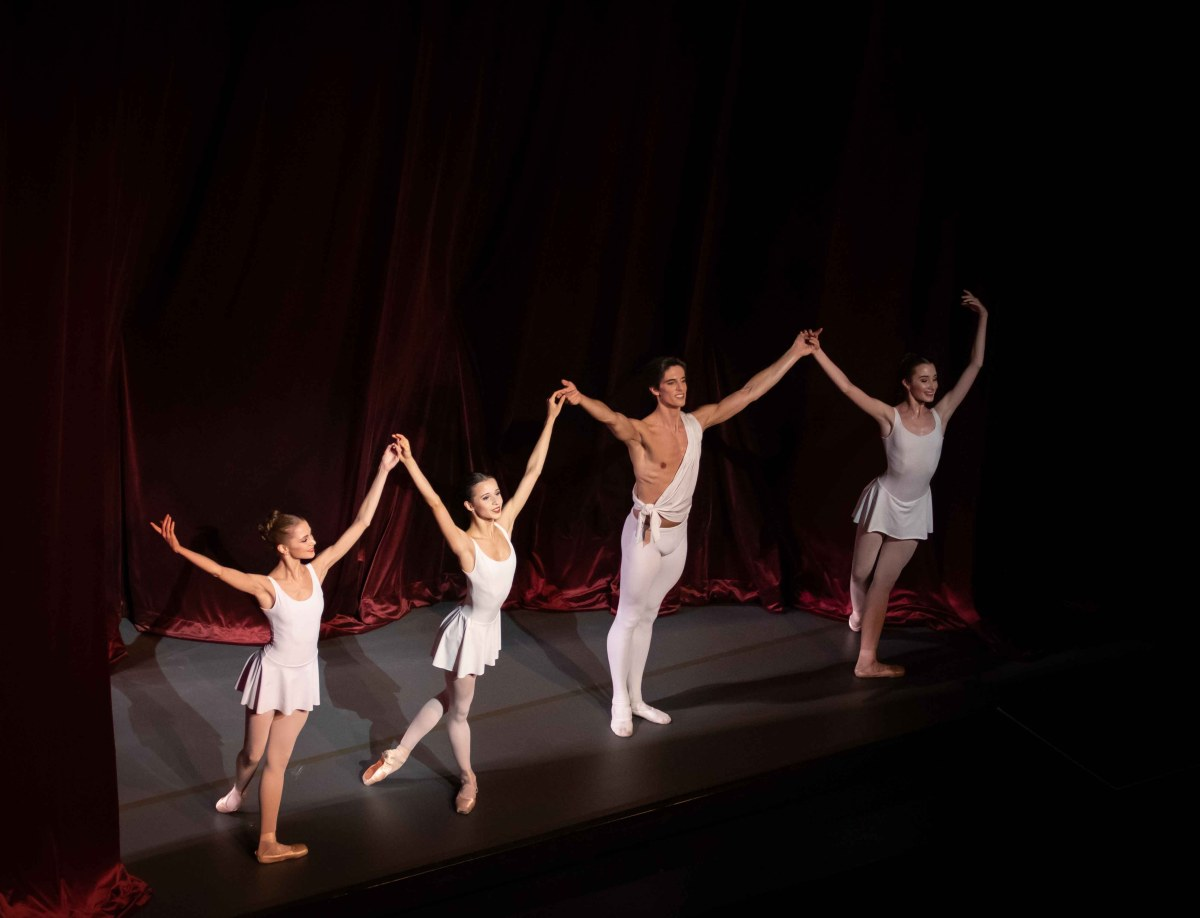 City Center Celebrates Balanchine Works, Daria Ionova, Maria Khoreva, Xander Parish, Anastasia Nuikinia, Apollo