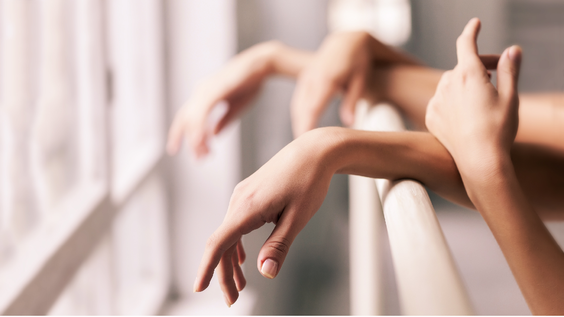 Using Barre to Train Hands and Fingers