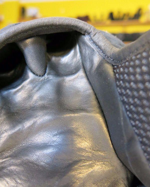 carpenter-x-leatherhead-glove-3