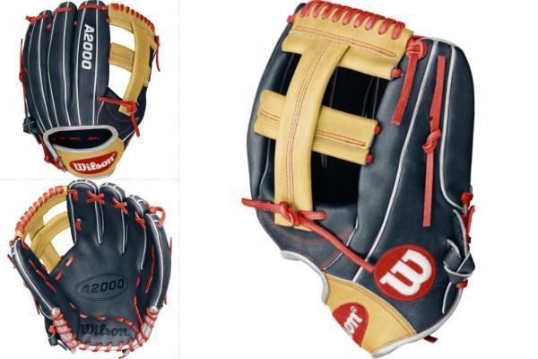 Carlos Correa's WBC Glove