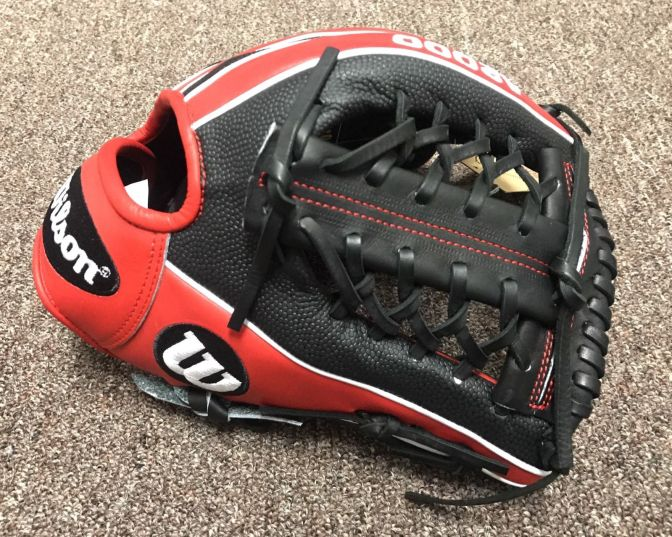 Wilson Glove of the Month May - Wilson A2000 1789 with Super Skin