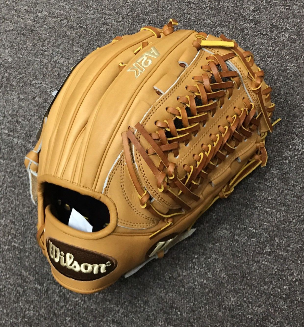 Wilson Glove of the Month November
