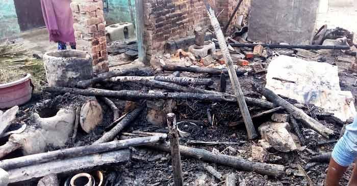 शार्ट सर्किट से लगी आग में मासूम संग विवाहिता जिंदा जल गई