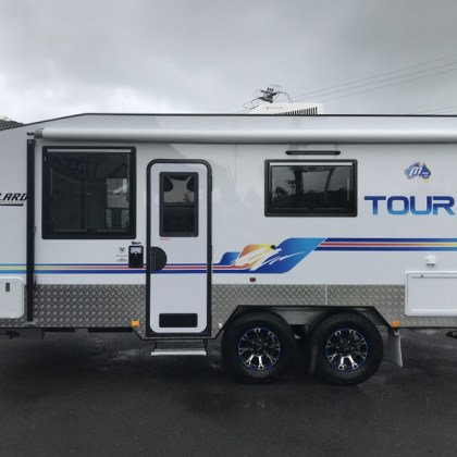 Millard Toura 18.6 Caravan Stock No: 8262