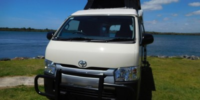 Frontline Freedom Toyota Hiace - FREE FLYSCREENS
