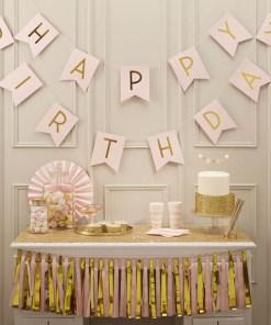 Flaggen-Girlande HAPPY BIRTHDAY, Pappe rosa Golddruck, ca. 200 cm, Dekobeispiel