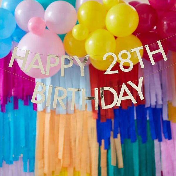 Buchstaben-Girlande ''Happy Birthday'', gold, zum Selbstgestalten, 2x Ziffern 0-9, 11 x L 150 cm, Dekobeispiel 1