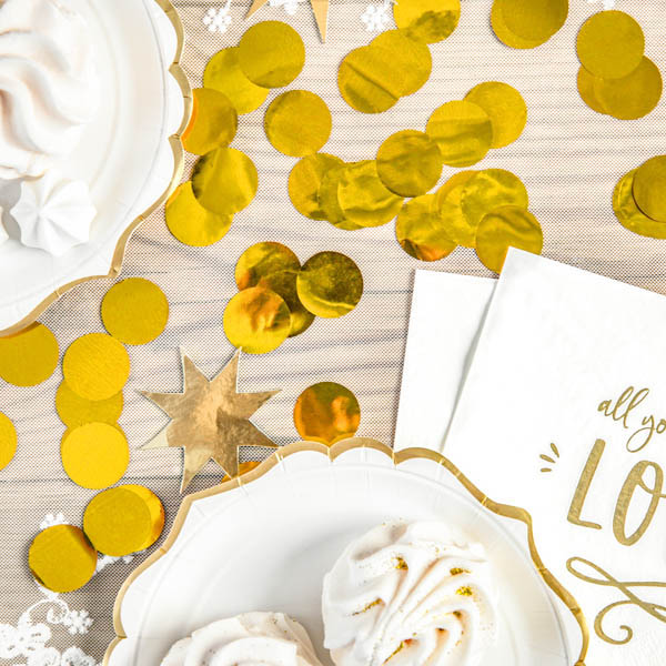 Folienkonfettikreise, gold, 15 g, 2,5cm, Dekobeispiel Tisch