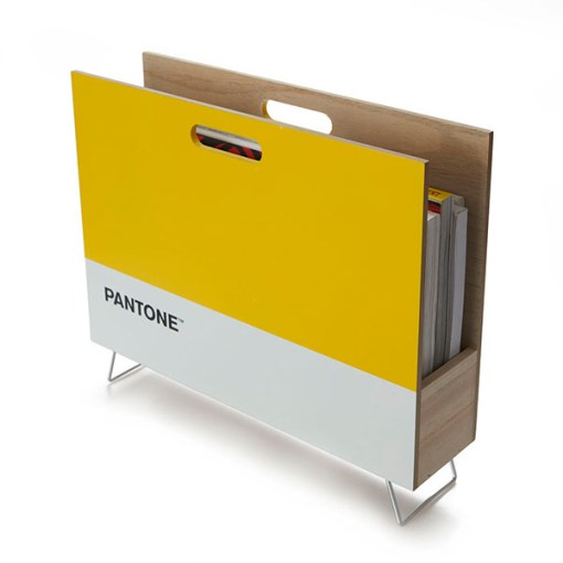 Zeitungsstaender Pantone, 2 Griffloecher, Holz gelb-weiss, innen natur, 28x38x9 cm, Seitenansicht