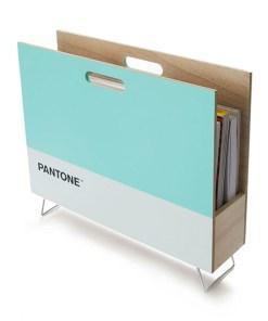 Zeitungsstaender Pantone, 2 Grifflöcher, Holz türkis-weiß, innen natur, 28x38x9 cm, Seitenansicht