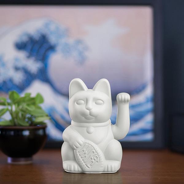 Lucky Cat, Kunststoff weiß, 1x AA-Batterie (nicht enthalten), 15 x 10,5 cm, Dekobeispiel