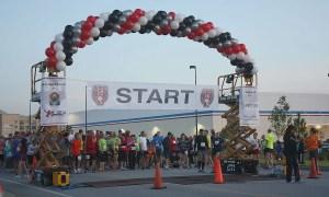 Palmetto Half-Marathon, outdoor balloon arch, by Balloonopolis, Columbia, SC