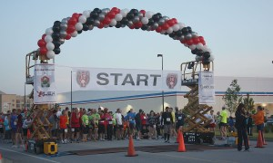 Palmetto Half-Marathon, outdoor balloon arch, by Balloonopolis, Columbia, SC