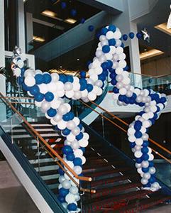 Star balloon sculpture