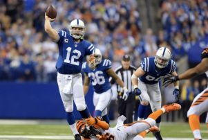 andrew-luck-carlos-dunlap-nfl-afc-wild-card-playoff-cincinnati-bengals-indianapolis-colts1-850x560