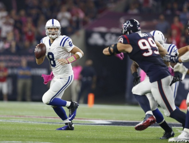 Hasselbeck running against Texans