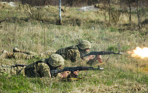 de-stressor tactical training firing weapons