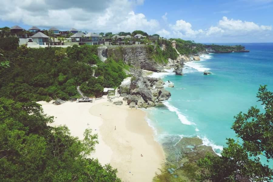 The Rock Bảr được bình chọn là địa điểm lãng mạn tuyệt vời ngắm hoàng hôn bên bờ biển
