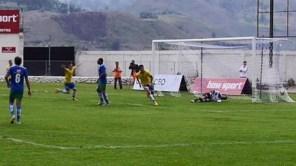 """Secuencia del tercer gol del """"Guala"""", obra de Joffre Escobar."""