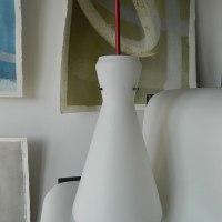 Lampadario in vetro opalino bianco anni '50