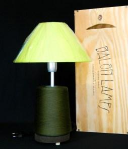 Lampada_Bobine_verde_riciclo_creativo_ecodesign_rocchetto_upcycling_upcycled_lampade_ricaricabili_batteria_Balon_Lamps_Torino_Genova_Milano_Roma_design_idee_led