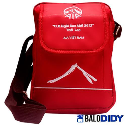 Balo cho công ty bảo hiểm làm quà tặng cho khách hàng - AIA