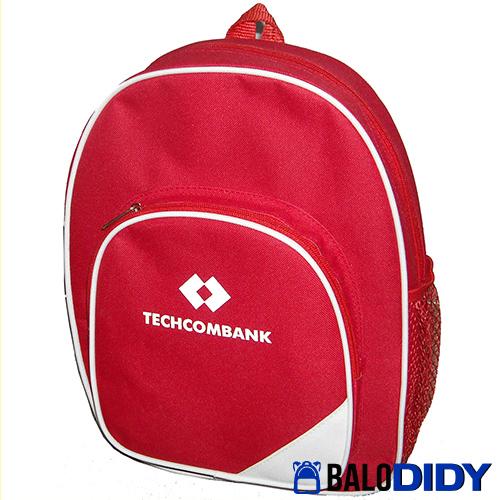 Techcombank may balo quà tặng