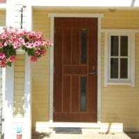 Lauko durys: šarvuotos, plastikinės ar klijuoto medžio?