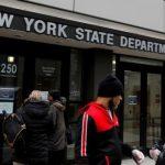 Трамп остановил выдачу рабочих виз в США