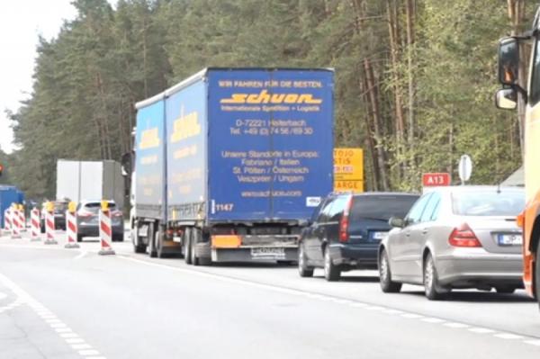 Жители интенсивно пересекают вновь открытую границу с Литвой