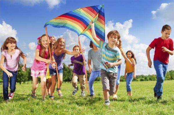 Каникулы строгого режима: как в Латвии будут работать детские лагеря